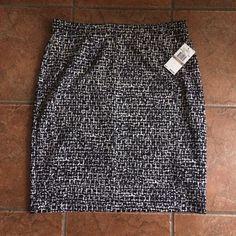 "Michael Kors Black & White Skirt Michael Kors black & white print skirt. Size 12 measures 21"" top to bottom. Fabric is stretchy 5% spandex. New never worn NWT Michael Kors Skirts"
