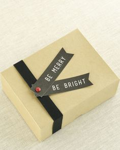 """free printable / """"be merry & be bright"""" gift tags / the twelve days of holiday packages / sallyjshim"""