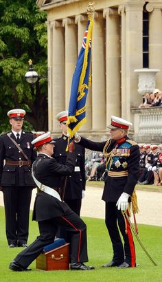 Prince Philip Photos - Prince Philip, Duke of Edinburgh presents Royal Marine Cadets with a new colour at a Foundation day parade in the garden of Buckingham Palace on July 2014 in London, England. Royal Monarchy, British Monarchy, British Royal Marines, British Royals, Prinz Phillip, Queen Husband, Royal Prince, Royal Queen, British Nobility