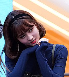Most popular tags for this image include: gg, girlsgroup, gif, hirai momo and kpop