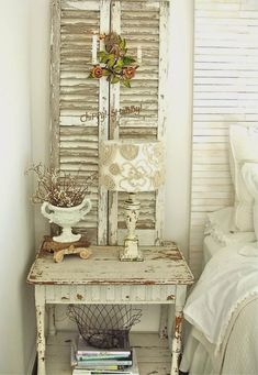 Shabby chic furniture for the home. Vintage and Shabby Chic Bedroom Decor with Old Shutters. A lot more excellent shabby chic furniture suggestions on my web site. Vintage and Shabby Chic Bedroom Decor with Old Shutters. Shabby Chic Moderne, Tissu Style Shabby Chic, Shabby Chic Rustique, Shabby Chic Stoff, Rustikalen Shabby Chic, Shabby Chic Zimmer, Shabby Chic Fabric, Shabby Chic Living Room, Shabby Chic Interiors
