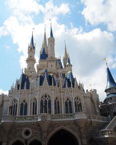 Disney Park Tips by a former cast member