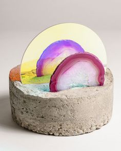 Esther Ruiz working with concrete, agate slices & iridescent acrylic. So inspired by this!!
