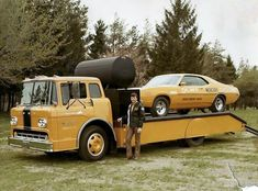 Orlando Lincoln Mercury Dealers drag hauler with Mercury Cyclone Big Ford Trucks, Old Trucks, Ford Classic Cars, Classic Trucks, Toy Hauler Trailers, Truck Flatbeds, Jeep Pickup, Pickup Trucks, Car Carrier