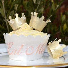 Edible Gold Butterfly Crowns 3D x 6 - King Queen Princess Prince Wafer Paper Cake Decorations Cupcake Topper Wedding Favours Shiny Metallic