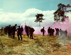 1967 US soldiers of Companies B and C, Infantry Regiment, Infantry Division during Operation MacArthur, Dak To, Vietnam Military Humor, Military History, Soldiers Coming Home, 4th Infantry Division, Army Infantry, Smoke Signals, Vietnam War Photos, Military Pictures, Vietnam Veterans