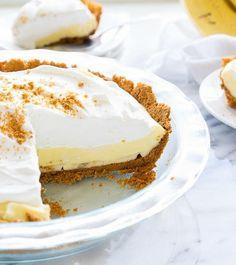 Easy No-Bake Banana Cream Pie   FaveSouthernRecipes.com