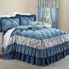 Blue ruffle bedding sets are so pretty, they work so well in a teen room or girls room. This page is loaded with blue ruffle bedding sets from different online retailers. Handmade Bed Sheets, Diy Bed Sheets, King Size Bed Sheets, King Bedding Sets, Bed Sheet Sets, Draps Design, Ruffle Bedspread, Bed Cover Design, Designer Bed Sheets