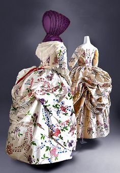 Polonaise Gown, c. 1780 Polonaise gown, hand-painted and hand-sewn reproduction of an extant ensemble at the Metropolitan Museum of Art . Silk calash, hand-sewn reproduction of an extant item in the collection of Pottsgrove Manor. Left, reproduction gown with calash, right, original gown back view. Exotic goods from the East were always highly desirable in fashionable European society, whether home furnishings of rare woods, ladies' ivory fans, or textiles for expensive garments.