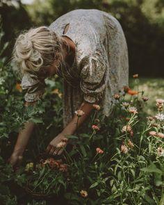 Design Jardin, Flower Farm, Farm Life, Country Life, Garden Inspiration, Wild Flowers, Floral, Garden Sculpture, Bloom
