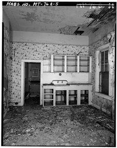 4 x 5 in. Miles City, Kitchen And Bath, Montana, Abandoned, America, Left Out, Flathead Lake Montana, Ruin, Usa