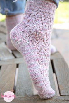 [pattern daily] Else's Estonian Lace Socks - knotions Non Slip Socks, Lace Socks, Lace Knitting Patterns, Lace Patterns, Stitch Patterns, Easy Crochet Slippers, Knit Slippers, Knitting Socks, Knit Socks