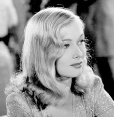 Snapshot of Veronica Lake in I Wanted Wings (1941)