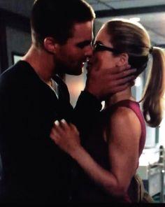 Oliver & Felicity #Arrow #Olicity