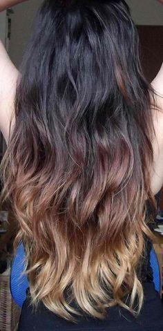 Exemple Tie and Dye sur cheveux bruns, long, bouclés