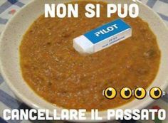 Non con quella gomma ma con una staedtler si Some Funny Jokes, Funny Pins, Serious Quotes, Funny Video Memes, Funny Messages, Me Too Meme, Funny Moments, Funny Cute, Funny Photos