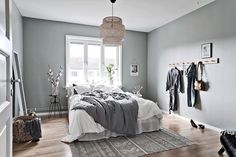 Grey Scandinavian bedroom Más