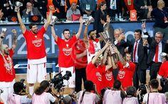Olympiacos celebrates good times! - 2011-12 SEASON - Welcome to EUROLEAGUE BASKETBALL