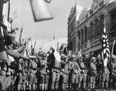 The kuomintang army in Shanghai and nanjing failed to organize effective resistance along the wayThe Japanese occupation of nanjing国民党军は上海と南京沿道できなかった組織から施行に抵抗した小日本侵略軍占領南京を訪れた
