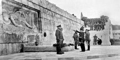Athens, Greece, German Occupation, Nazi officers lay a wreath at the Tomb of the Unknown Soldier right below the Greek Parliament building. Insult added to injury. Winston Churchill, Europe Day, Invasion Of Poland, Unknown Soldier, Greek History, Athens Greece, Greece Travel, World War Two, Historical Photos