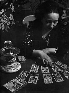 La Cartomancienne (The Fortune Teller), 1933 (Brassai) http://www.pinterest.com/vintagebelle76/fortune-telling/