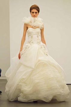 Vera Wang 2013 Look 13: Floating Chantilly lace ball gown with bias organza and tulle wave flange detail. Basketweave gazaar bralette with classic lingerie details