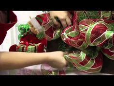 Ellis Deco Mesh Wreath Video - good tutorial on making one of these wreaths! Christmas Projects, Holiday Crafts, Christmas Holidays, Wreath Crafts, Diy Wreath, Tulle Wreath, Burlap Wreaths, Wreath Making, Wreath Ideas