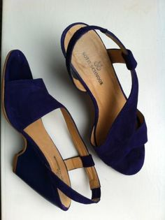 Statement Pumps in purple suede and block heel, from SOFIE SCHNOOR. BUY THEM HERE > http://anywear.dk/product/pumps/sofie-schnoor/statement-pumps