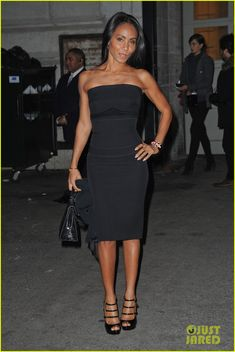 It was really hard trying to find a WoW picture of Mrs. Smith. ALL her photos are WOW! Effortless natural beauty. You-Go-Girl! Jada Pinkett Smith: Fashion Fun in NYC!