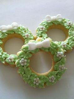 wreath cut out cookies