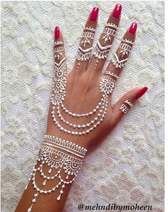 Adorable White Hena Inspiration In Wedding Days - Henna Henna Tattoo Hand, Henna Tattoo Muster, Hena Tattoo, White Henna Tattoo, Henna Ink, Henna Tattoo Designs Simple, Henna Hand Designs, Mehndi Designs Finger, Pretty Henna Designs