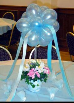 Balloon centerpiece                                                                                                                                                      Más