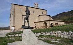 L'AQUILA – Nell'incantevole ambientazione della chiesa di Santa Maria de' Centurelli, a Caporciano (L'Aquila), lungo l'altipiano dove si snodava il Tr...
