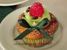La buona cucina di Katty: Cupcake al mascarpone con cuore all'amarena