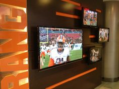 Syracuse Football, Syracuse University, Interactive Touch Screen, Floor Graphics, Future Trends, College Campus, Environmental Graphics, Digital Signage, Wings