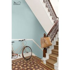 Dulux Endurance Mint Macaroon - Matt Emulsion Paint - perfect for brightening up any space and creating a bright and breezy feel