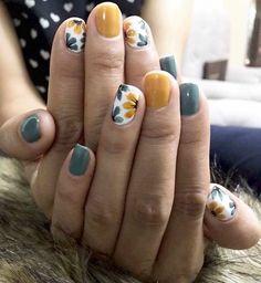 The best nail art designs for spring - romantic nail art, heart nail art designs, white nail art designs, heart tip nails , romantic nail - Pretty Nail Art, Cool Nail Art, Cool Nail Ideas, Nail Art Ideas, Pretty Gel Nails, Pretty Short Nails, Diy Ideas, Cute Toe Nails, Nail Art Diy