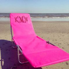 Ultimate beach chair that I need (not southern preps picture but my friend just got me the same thing but in blue!!) Summer Of Love, Summer Girls, Summer Time, Summer Fun, Way Of Life, Beach Ready, Beach Chairs, Summer Essentials, Everything Pink