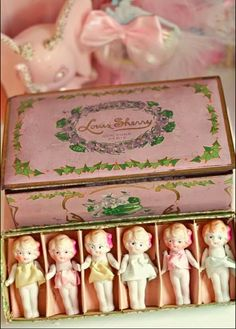 Eye Candy Creations is the creative life and style of Jennifer Hayslip. She is an whimsical & fanciful artist, glamourous vintage girl at heart, and host themed over the top workshop art events. Looks Kawaii, Paperclay, Bisque Doll, Old Dolls, Little Doll, Antique Toys, Vintage Love, Photos Vintage, Vintage Candy