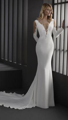 Boat Neck Wedding Dress, Perfect Wedding Dress, Twilight Wedding Dresses, Beautiful Bridal Dresses, Wedding Dress Necklines, Designer Wedding Dresses, Dream Dress, Bridal Gowns, Marie