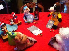 Elf playing poker