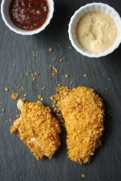 This oven baked chicken fingers recipe is a healthy homemade spin on the kids menu. The chicken tenders are coated in Dijon mustard and organic corn flakes. Fodmap Recipes, Gluten Free Recipes, Healthy Recipes, Diet Recipes, Small Food Processor, Food Processor Recipes, Healthy Chicken Fingers, Fodmap Meal Plan, Chicken Finger Recipes