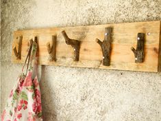 coat hanger using upcycled wood and branches