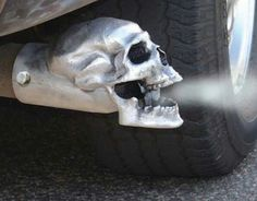 Admit it, this skull on this car's tail pipe is pretty bad-assed.