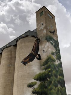 Urban Street Art, Urban Art, Grain Silo, Free Mind, Building Art, Water Tower, Land Art, Street Artists, Bird Watching