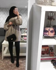 k mentions J'aime, 74 commentaires - ⠀⠀. k mentions J'aime, 74 commentaires - ⠀⠀. - Attractive-Hijab-Winter-Outfits Uploaded by ZAI ^_^ NAB. Find images and videos about style, hijab and ستايل on We Heart It - the app to get lost in what you love. Modern Hijab Fashion, Street Hijab Fashion, Islamic Fashion, Muslim Fashion, Modest Fashion, Hijab Casual, Hijab Chic, Hijab Mode Inspiration, Mode Outfits