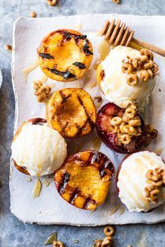 Cinnamon Grilled Peaches with Mascarpone Ice Cream. - mandolina - Cinnamon Grilled Peaches with Mascarpone Ice Cream. Cinnamon Grilled Peaches with Mascarpone Ice Cream and Honeynut Cheerio Granola - Simple and delicious. Summer Desserts, Just Desserts, Delicious Desserts, Dessert Recipes, Yummy Food, Grilled Desserts, Grilled Recipes, Grilled Fruit, Fruit Dessert