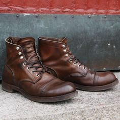 Nils proudly sent us some pictures of his to us one of the best Iron Rangers out there. Please show me yours, too! Mens Boots Fashion, Leather Fashion, Leather Men, Leather Shoes, Red Wing Shoe Stores, Cuir Vintage, Jamel, Red Wing Boots, Sneaker Boots