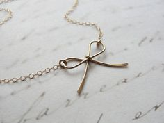 Bow Necklace//