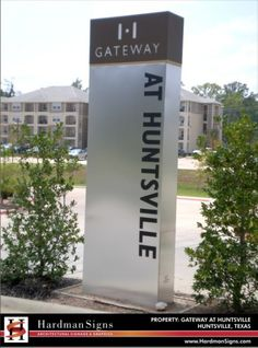 Custom Outdoor Signage | Pylon Signs | Pole Signs | Pylon Signage - Houston, Austin, Atlanta